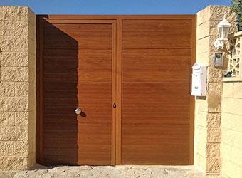 Puerta peatonal Portalia